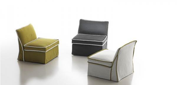 Poltrone moderne divani e divani letto su misura for Poltrone moderne