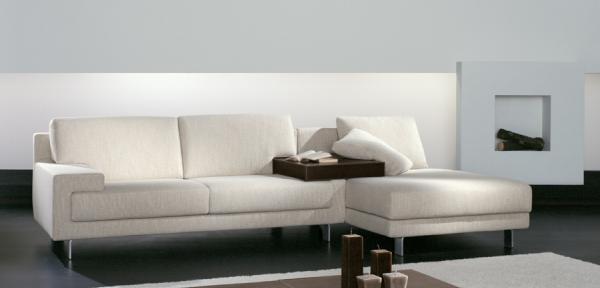 Vendita divani moderni divani e divani letto su misura for Divani moderni milano